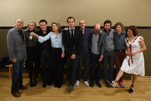 Arrested Development cast reunites, announces plans for TV comeback