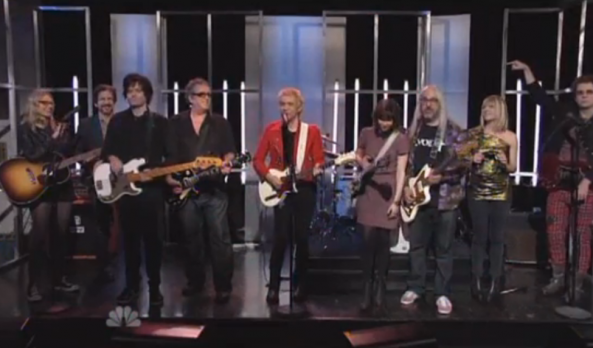 Fred Armisen says goodbye, goodnight to SNL as Ian Rubbish with an all-star musical jam