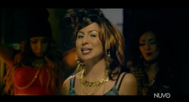 "Anjelah Johnson as Bon Qui Qui with Tammy in ""No Boyfren"" music video"