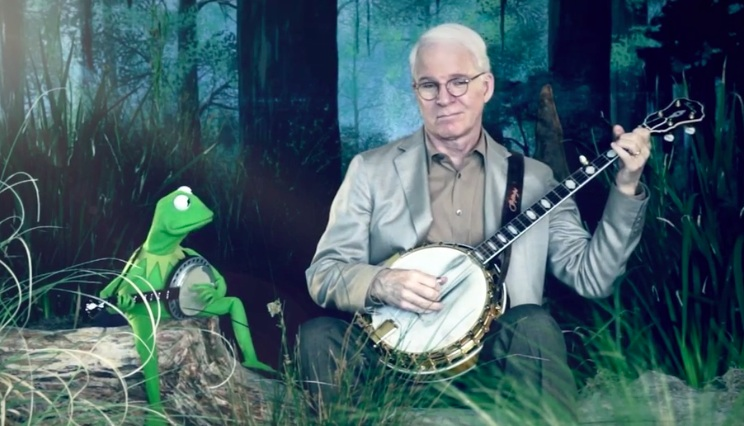 """Reunited: Steve Martin and Kermit the Frog in another round of """"Dueling Banjos"""""""