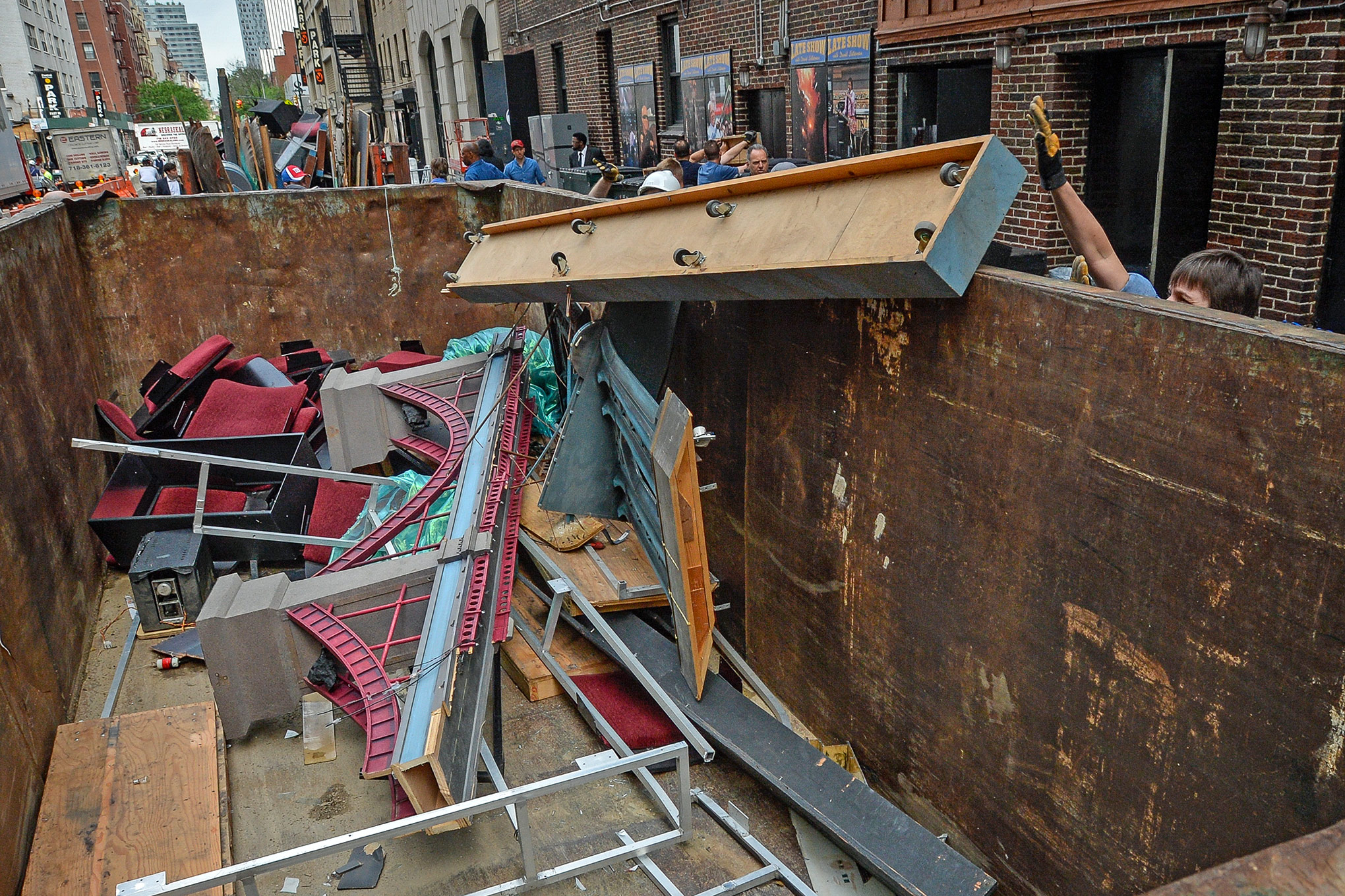 What's more criminal? Throwing out David Letterman's Late Show set, or dumpster-diving for it?