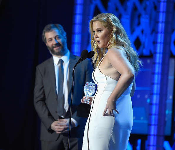 """Judd Apatow praises Amy Schumer, rips Golden Globes and awards definitions for """"comedy"""""""