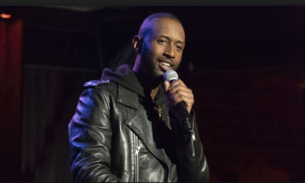 """Review: James Davis, """"Live From The Town,"""" on Comedy Central"""