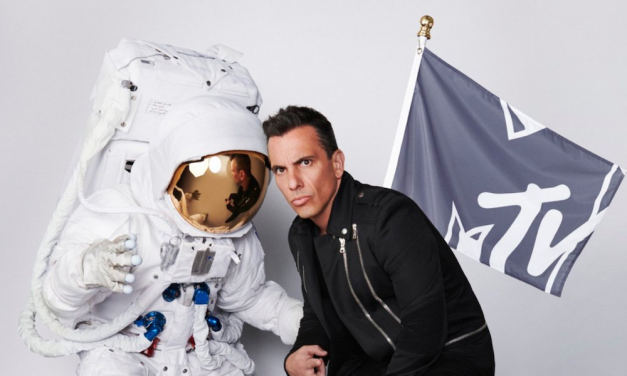 Sebastian Maniscalco to host 2019 MTV Video Music Awards
