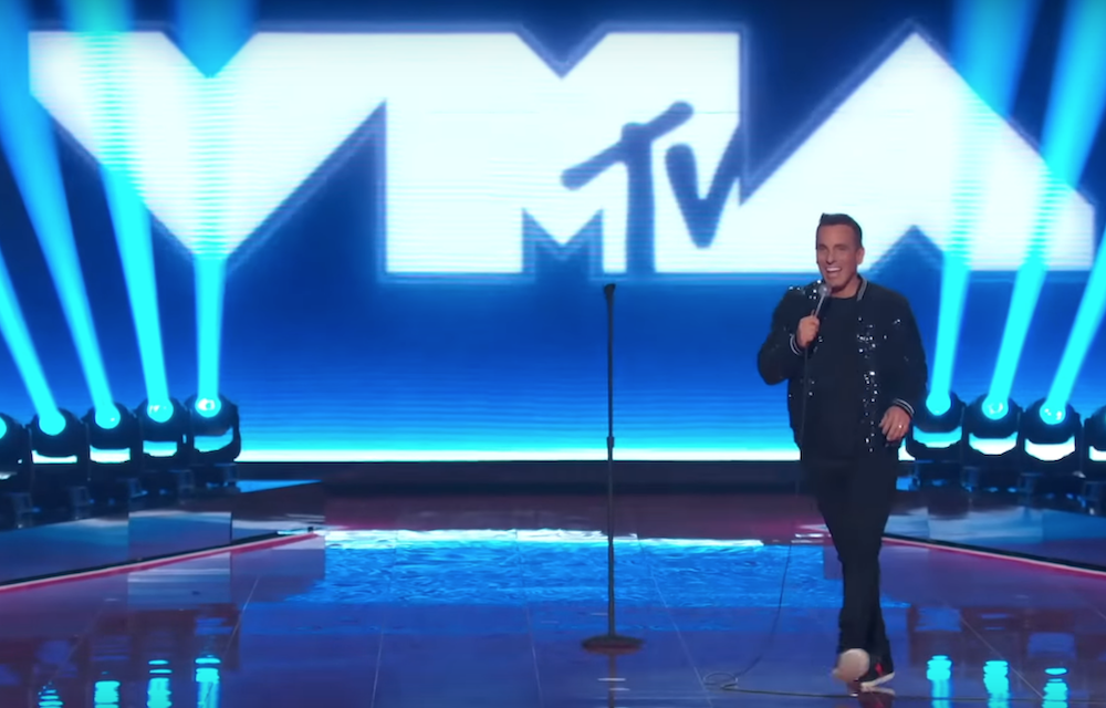 Watch Sebastian Maniscalco open the 2019 MTV VMAs